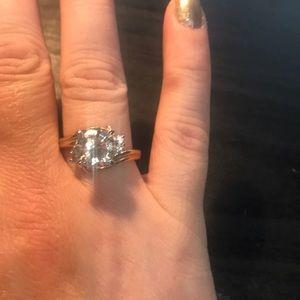 Jewelry - Size 10 cz goldtone fashion ring
